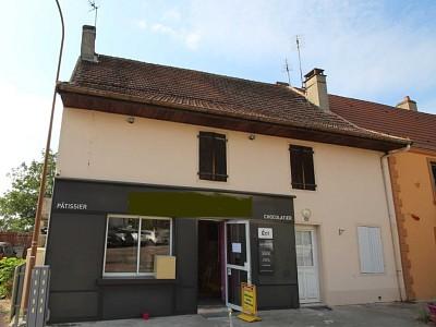 IMMEUBLE DE RAPPORT A VENDRE - ST EUSEBE - 120 m2 - 152000 €