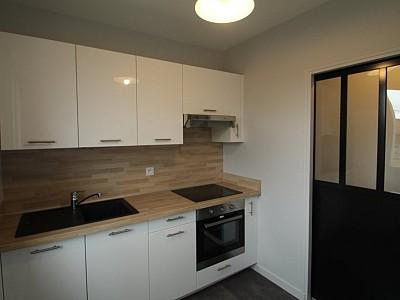 APPARTEMENT T1 A LOUER - BEAUNE - 35 m2 - 480 € charges comprises par mois