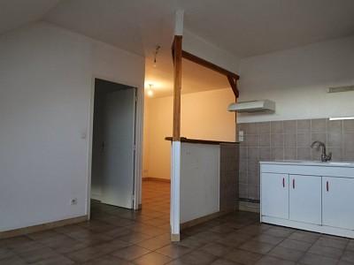 APPARTEMENT T4 A LOUER - CHAGNY - 56 m2 - 480 € charges comprises par mois