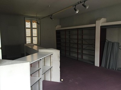 BUREAU A LOUER - BEAUNE - 136 m2 - 995 € HC par mois