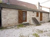 ENTREPOT A LOUER - CHATENOY LE ROYAL - 84 m2 - 675 € HC et HT par mois