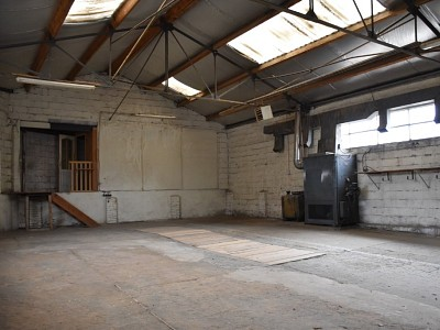GARAGE A VENDRE - PARAY LE MONIAL - 88 000 €