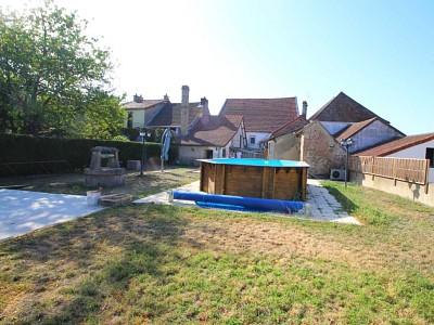 IMMEUBLE A VENDRE - ST EUSEBE - 196,85 m2 - 207000 €