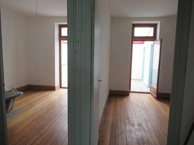 IMMEUBLE DE RAPPORT - MONTCEAU LES MINES CENTRE VILLE - 200 m2 - VENDU