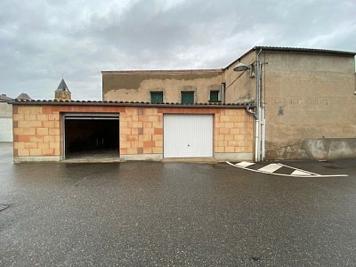 LOCAL COMMERCIAL A VENDRE - MELAY - 295 m2 - 118 000 €