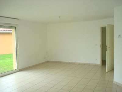 MAISON A LOUER - LOUHANS - 93 m2 - 650 € charges comprises par mois
