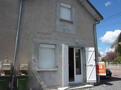 MAISON A LOUER - LUZY CENTRE VILLE - 50 m2 - 315 € charges comprises par mois