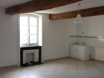 MAISON A LOUER - MONTCEAUX L ETOILE - 160 m2 - 750 € charges comprises par mois