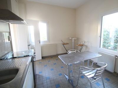 MAISON A LOUER - PARAY LE MONIAL - 40 m2 - 330 € charges comprises par mois