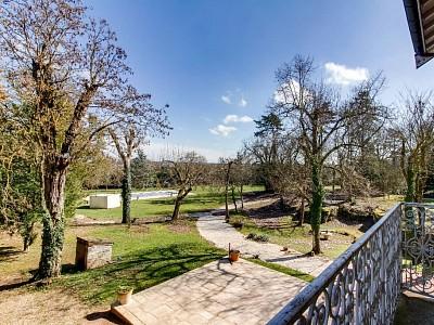 MAISON A VENDRE - FONTAINES - 270 m2 - 648000 €
