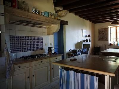 MAISON - RUFFEY LES BEAUNE - 230 m2 - 650000 €