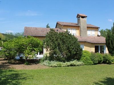 MAISON A VENDRE - TOURNUS - 113 m2 - 219000 €