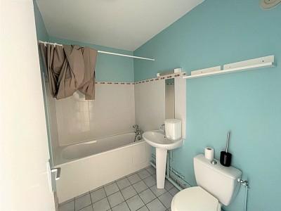 STUDIO A LOUER - CHALON SUR SAONE CENTRE VILLE - 20,92 m2 - 310 € charges comprises par mois