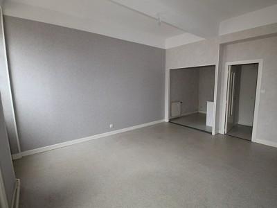 STUDIO A LOUER - GIVRY - 28 m2 - 304 € charges comprises par mois