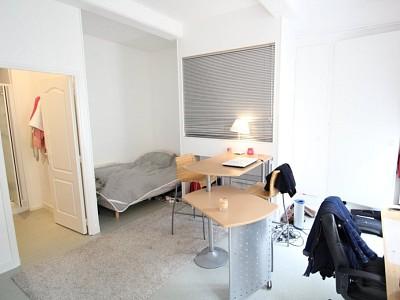 APPARTEMENT T1 A LOUER - PARAY LE MONIAL - 28 m2 - 310 € charges comprises par mois
