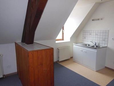 APPARTEMENT T3 A LOUER - AUXONNE - 40 m2 - 380 € charges comprises par mois