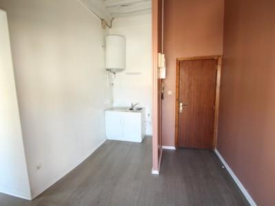 APPARTEMENT T2 A LOUER - CHAGNY - 33 m2 - 327 € charges comprises par mois