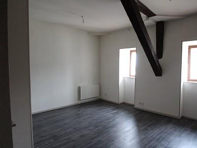 APPARTEMENT T2 A LOUER - CHAGNY - 56,28 m2 - 372 € charges comprises par mois