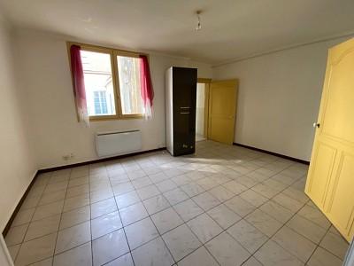 APPARTEMENT T2 A LOUER - CHALON SUR SAONE CENTRE VILLE - 49 m2 - 416 € charges comprises par mois