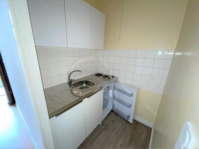 APPARTEMENT T2 A LOUER - CHALON SUR SAONE - 35 m2 - 390 € charges comprises par mois