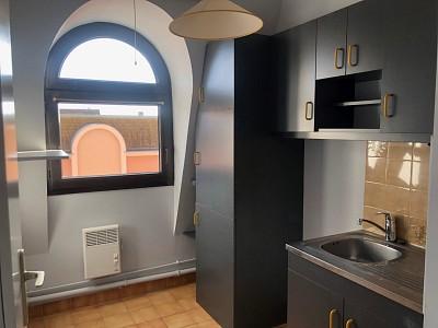 APPARTEMENT T2 A LOUER - CHALON SUR SAONE - 45 m2 - 456 € charges comprises par mois