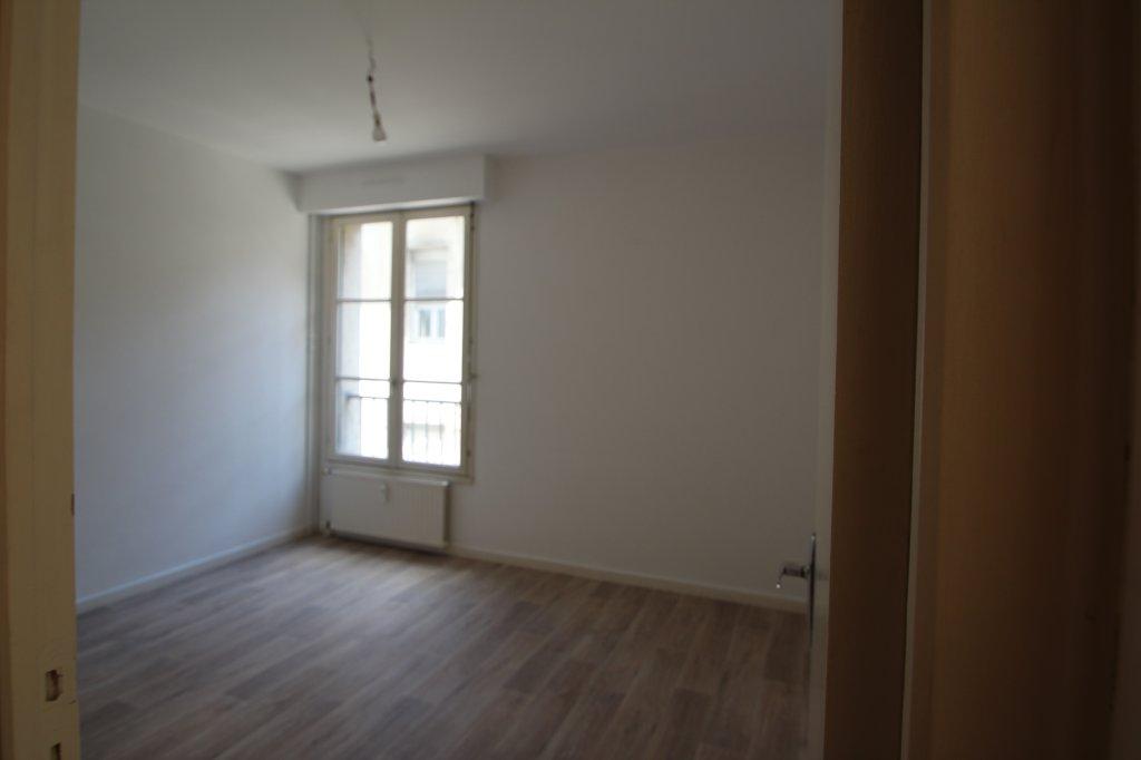 APPARTEMENT T2 A LOUER - DIJON CENTRE VILLE / ST MICHEL - 43,27 m2 - 610 € charges comprises par mois