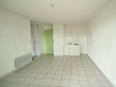 APPARTEMENT T2 A LOUER - LE CREUSOT - 37,83 m2 - 392 € charges comprises par mois