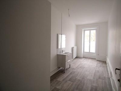 APPARTEMENT T2 A LOUER - PARAY LE MONIAL - 68,65 m2 - 490 € charges comprises par mois