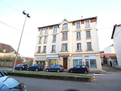 APPARTEMENT T2 A LOUER - PARAY LE MONIAL - 42 m2 - 360 € charges comprises par mois