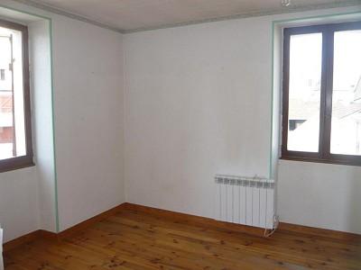 APPARTEMENT T3 A LOUER - CHAGNY - 61 m2 - 430 € charges comprises par mois