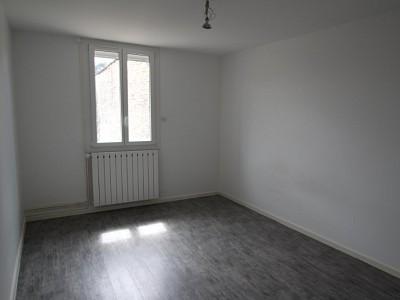 APPARTEMENT T3 A LOUER - CHAGNY - 80,27 m2 - 595 € charges comprises par mois