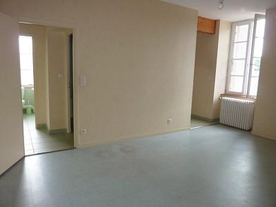 APPARTEMENT T3 A LOUER - CHISSEY EN MORVAN - 60,45 m2 - 498,22 € charges comprises par mois