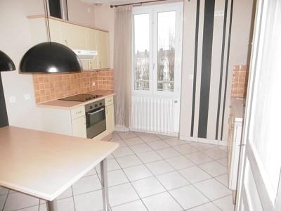 APPARTEMENT T3 A LOUER - PARAY LE MONIAL QUARTIER SUD - 62,43 m2 - 394 € charges comprises par mois