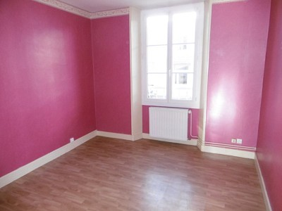APPARTEMENT T3 A LOUER - PARAY LE MONIAL QUARTIER SUD - 61,83 m2 - 356 € charges comprises par mois