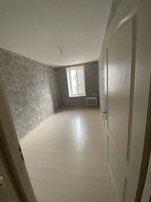 APPARTEMENT T3 - BELLEVESVRE - 86 m2 - LOUÉ