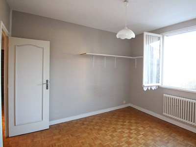 APPARTEMENT T3 A VENDRE - AUTUN - 77 m2 - 69500 €
