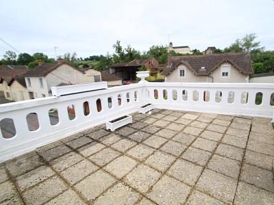 APPARTEMENT T4 A LOUER - CHAROLLES - 120 m2 - 590 € charges comprises par mois