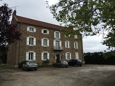 APPARTEMENT T4 A LOUER - PIERRE DE BRESSE - 81 m2 - 460 € charges comprises par mois