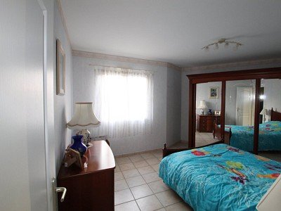 VILLA A VENDRE - SIMANDRE - 147 m2 - 298000 €