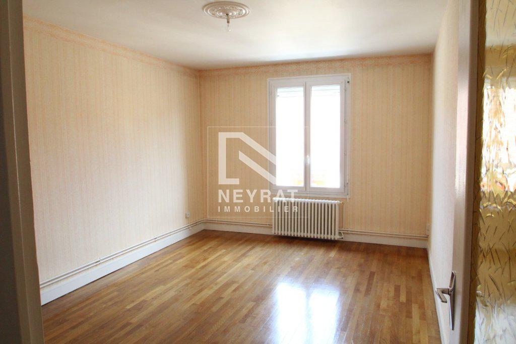 APPARTEMENT T2 A LOUER - PARAY LE MONIAL - 57,49 m2 - 450 € charges comprises par mois