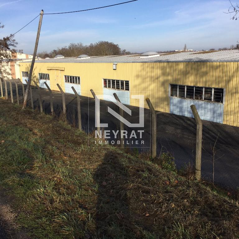 LOCAL INDUSTRIEL A VENDRE - VITRY EN CHAROLLAIS - 2200 m2 - 98 400 € HAI