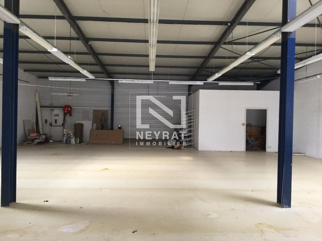 LOCAL COMMERCIAL A VENDRE - PARAY LE MONIAL - 380 m2 - 139 360 € HAI