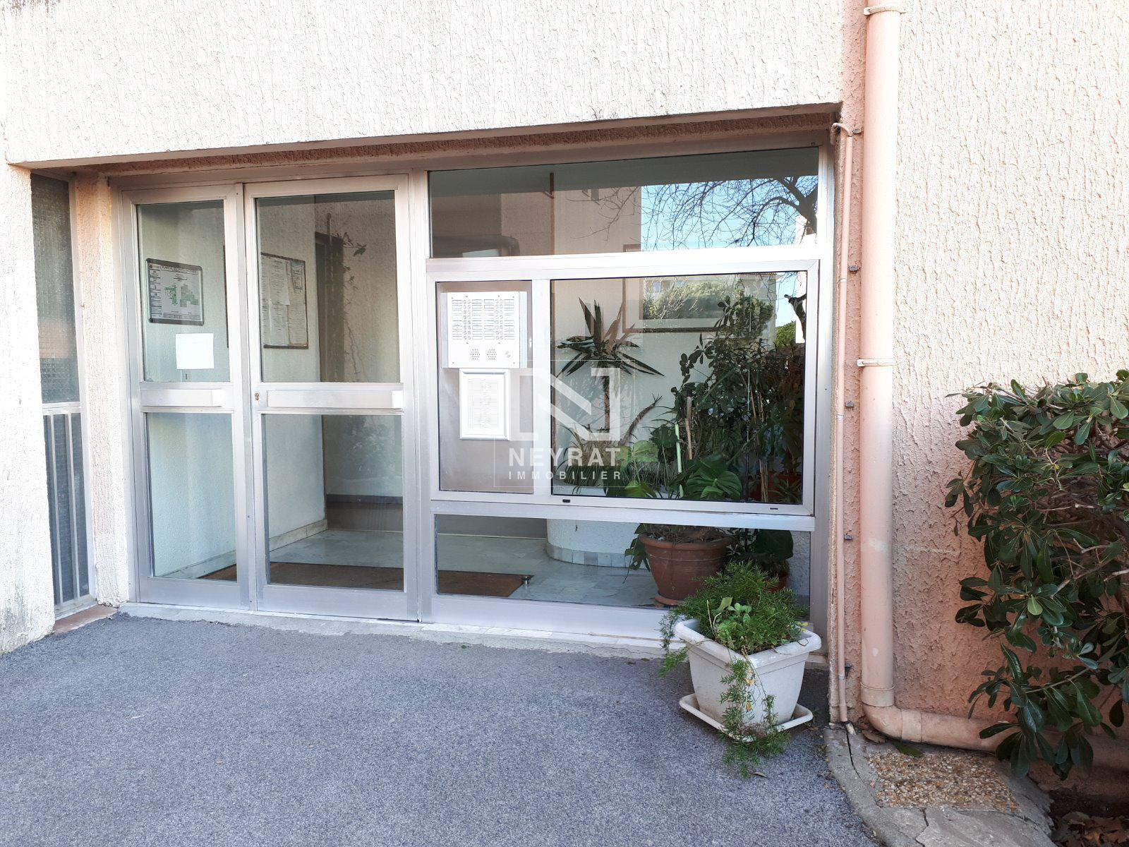 APPARTEMENT T2 -  - 41,86 m2 - 109 000 €