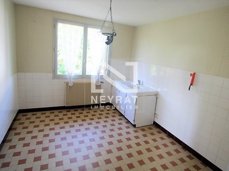 MAISON A VENDRE - CHATENOY LE ROYAL - 153,13 m2 - 139 000 €