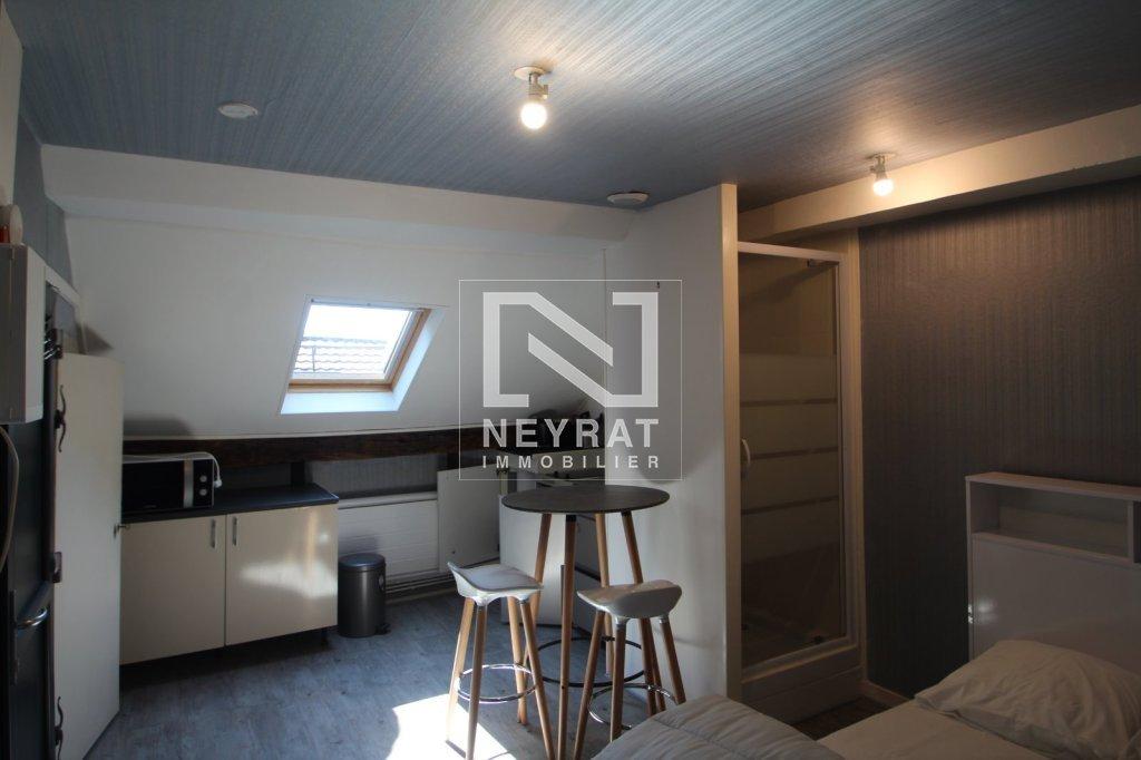 STUDIO A LOUER - BEAUNE 18 PLACE MONGE - 13 m2 - 345 € charges comprises par mois