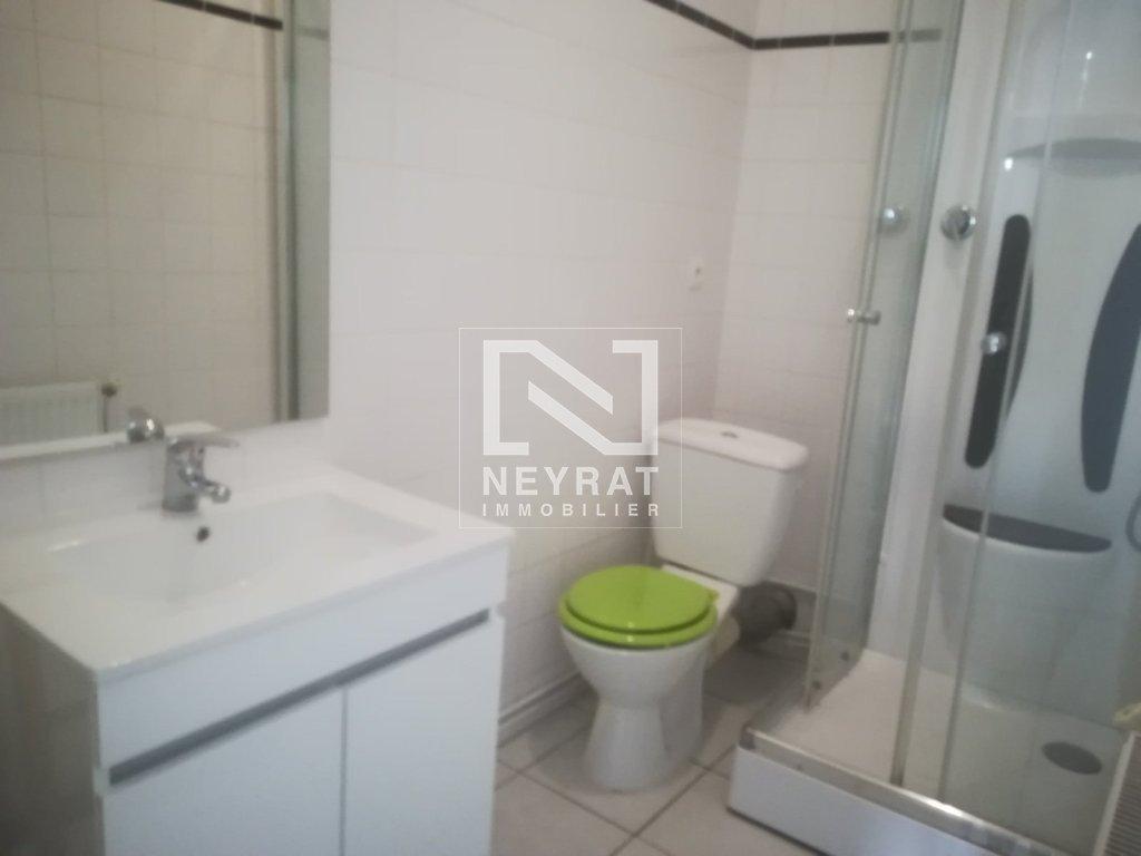 appartement t1 a louer chalon sur saone 28 m2 330 charges comprises par mois. Black Bedroom Furniture Sets. Home Design Ideas