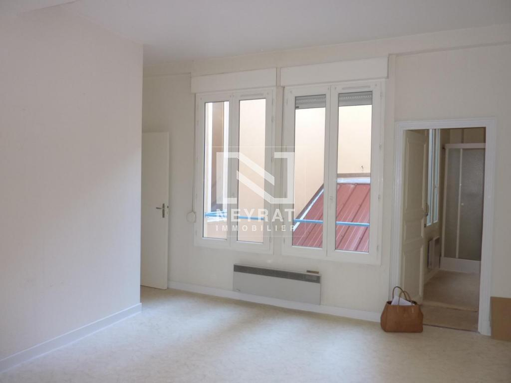 APPARTEMENT T2 - AUTUN - 40 m2 - LOUÉ