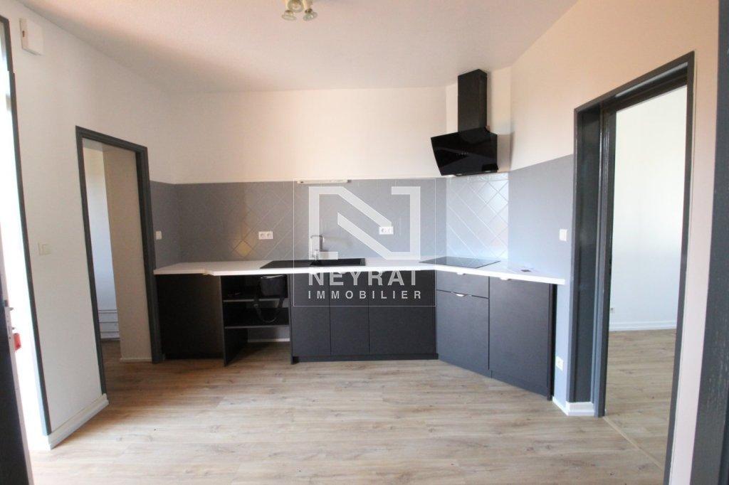 APPARTEMENT T3 A LOUER - LOUHANS - 60 m2 - 400 € charges comprises par mois