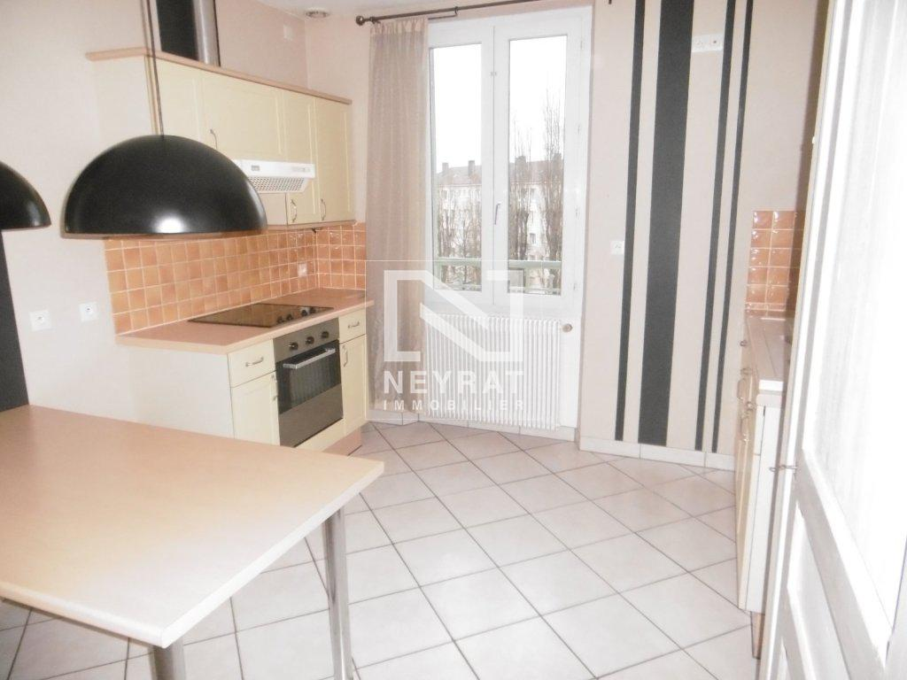 APPARTEMENT T3 A LOUER - PARAY LE MONIAL QUARTIER SUD - 62,43 m2 - 403 € charges comprises par mois