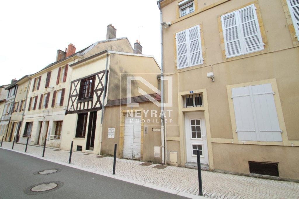 APPARTEMENT T4 A LOUER - PARAY LE MONIAL - 103 m2 - 555 € charges comprises par mois